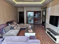 审批中心小区房 小区环境好 业主住家精装保持得好 102平正规3室2厅43.8万