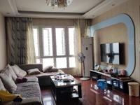宝龙广场附近 精装修三室,出行方便 近车站