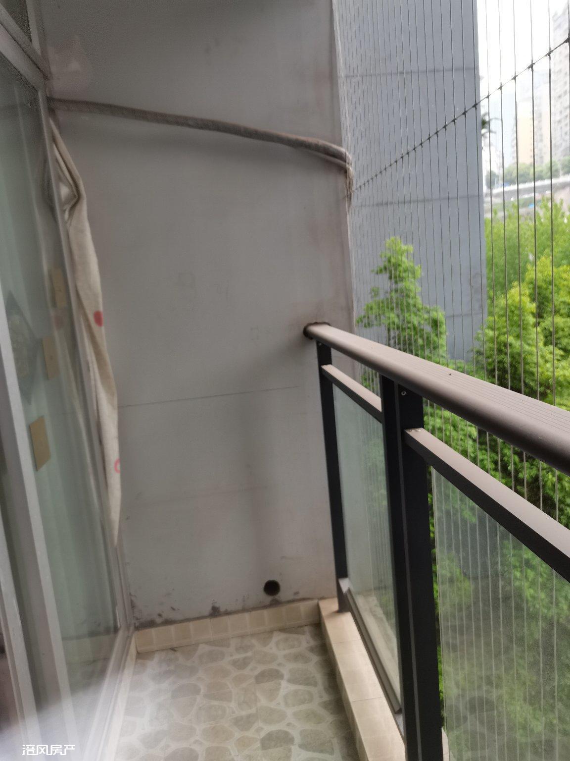 滨江路 电梯房金科廊桥水岸 精装正2室2厅1卫 家电家具齐全 1200元拎包入住