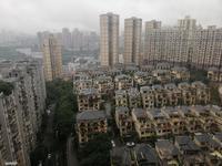 温泉城两房精装修出租,交通便利,临街房