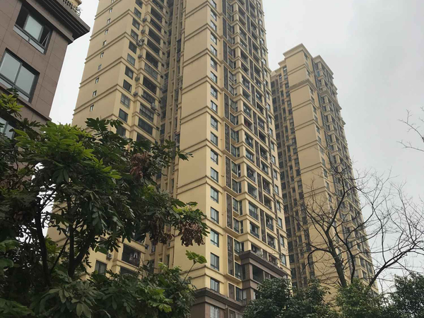 宝龙广场商圈9成新澳海精装3室仅65万
