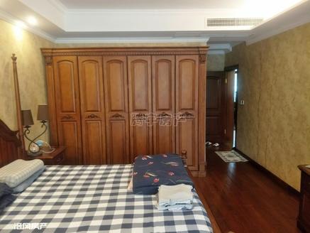 金科天湖小镇 豪华装修洋房底跃152.28平米,品质小区出入方便
