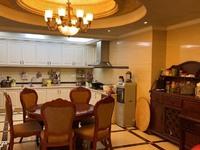 出售金科天湖小镇4室3厅3卫155.5平米200万住宅