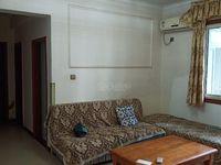 标准3室两厅一卫,价格才1300,真的不错!
