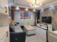 带30平大露台 新加坡花苑小区旁边 精装3室 家具家电都有 免费停车