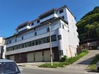 涪陵森林公园宏声度假村沿公路上行200米,一栋5楼一底的综合楼出租