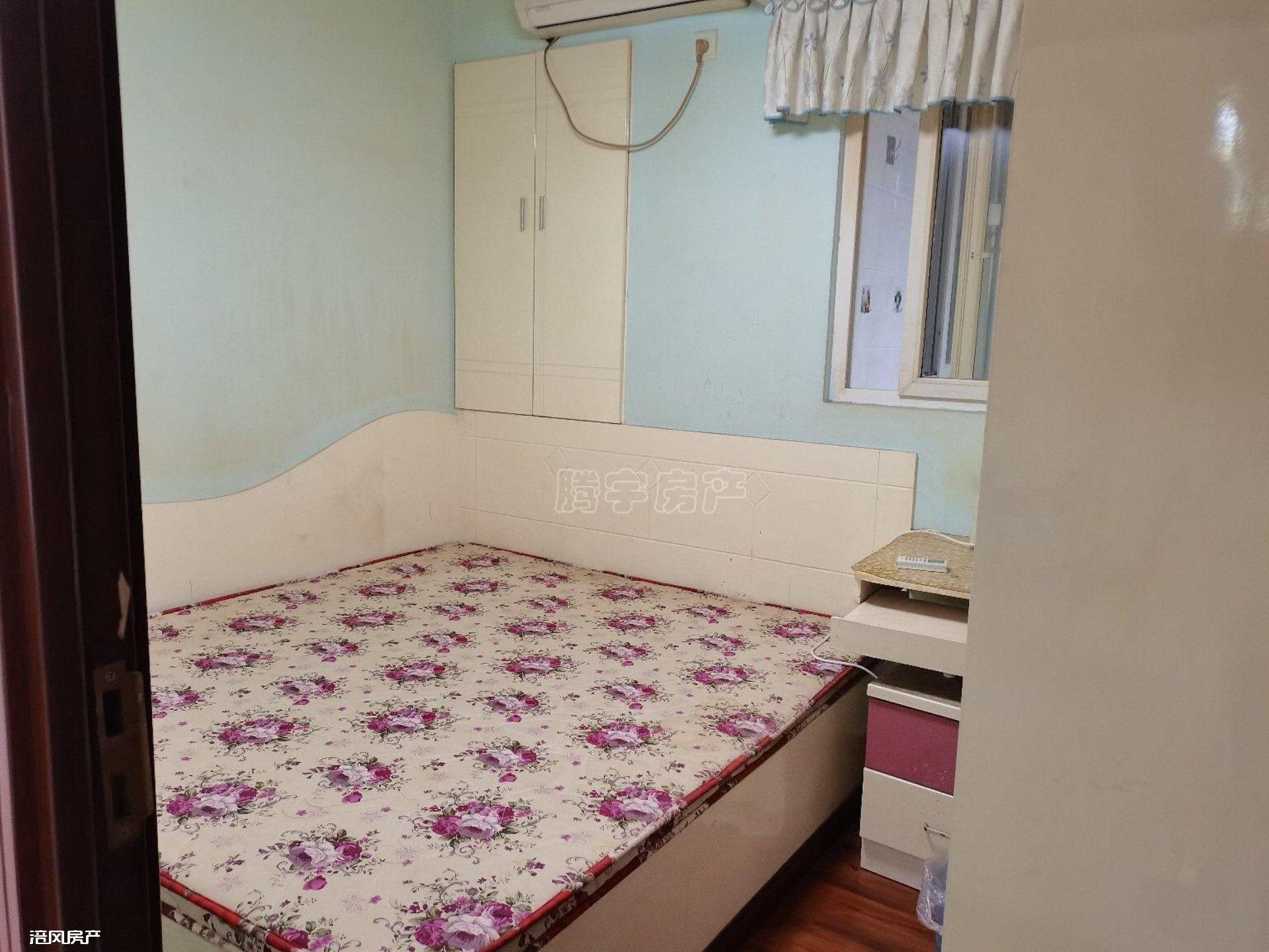 出租南门山转盘3室2厅1卫 精装修