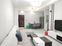 精装两室,业主诚心出售,价格美丽,装修都是品牌,沙发都是一万多